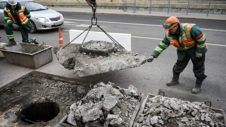 Движение ограничили в Большом Черкасском переулке в Москве из‑за ремонта