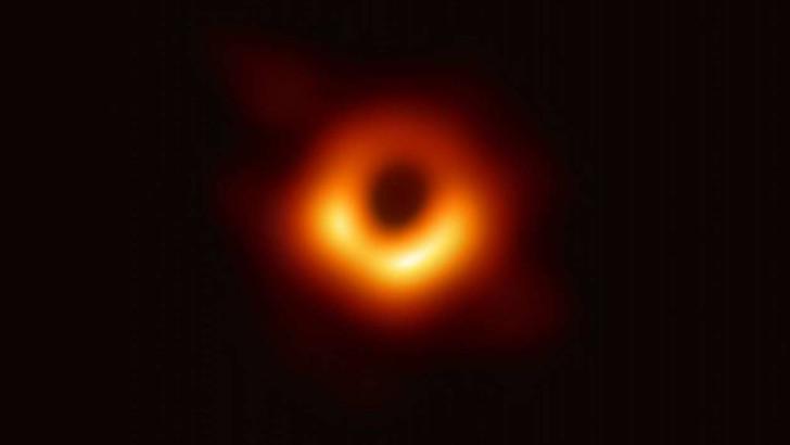 Ученые придумали имя для первой в истории запечатленной черной дыры