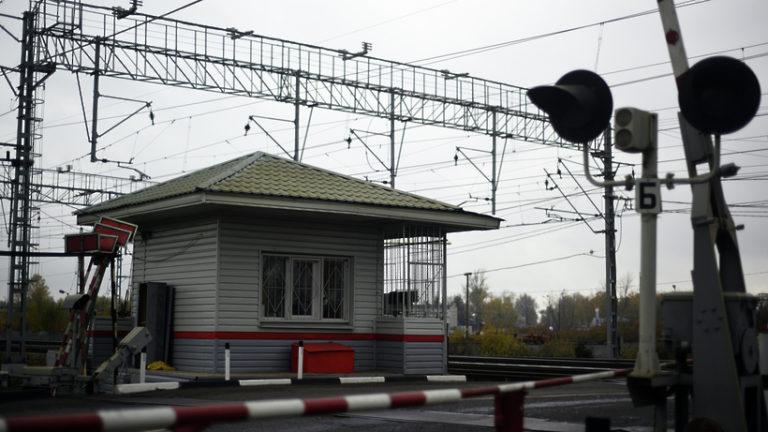 Железнодорожный переезд в Домодедове временно закрыли из‑за ремонта