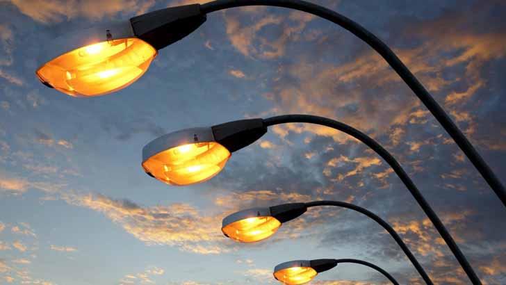 Светильники в деревнях ставятся через столб