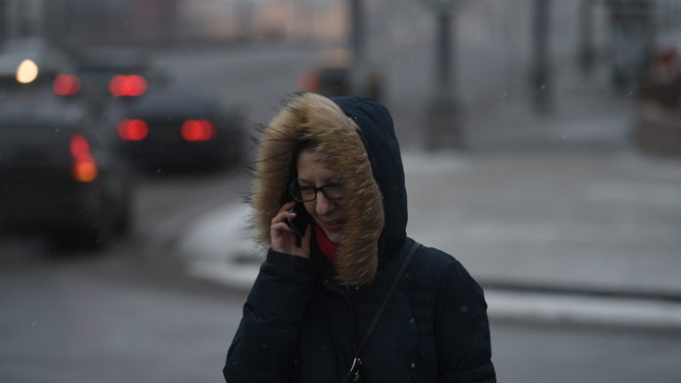 Порывы ветра в Москве усилились до 18 метров в секунду