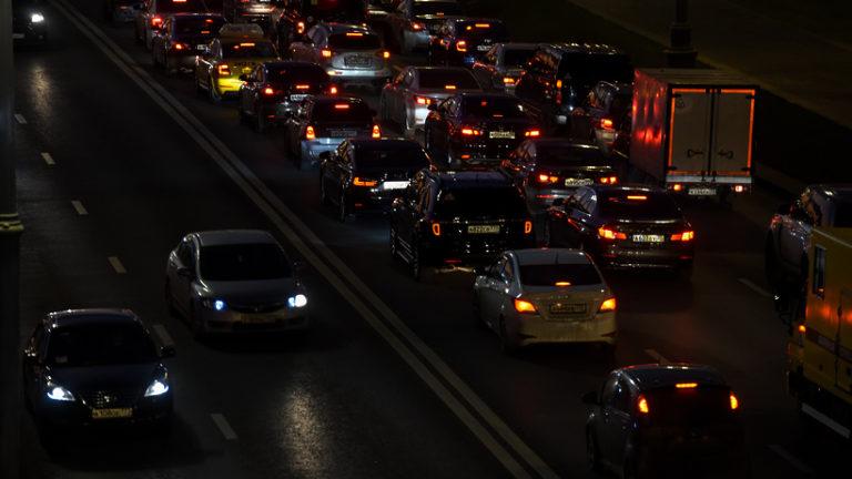 Водителям Москвы рекомендовали не выезжать в сторону Сокольников до 22:00