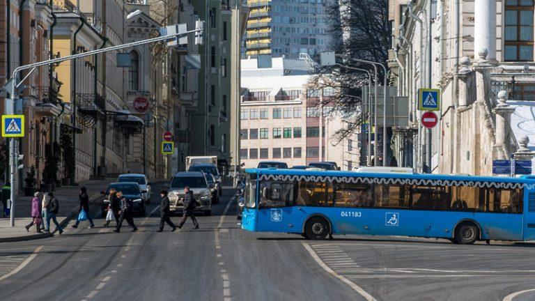 Маршруты наземного транспорта изменятся в Москве в понедельник (29 апреля 2019 года) из‑за репетиции парада