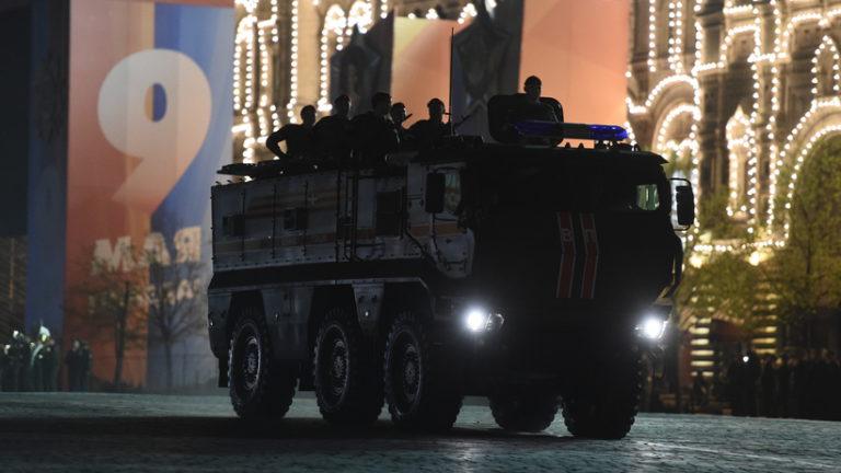 Первая ночная репетиция парада Победы пройдет в Москве