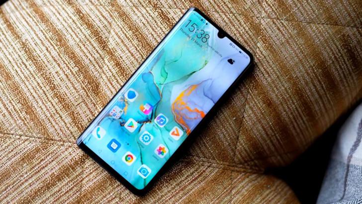 Huawei объяснила, почему полностью не убрала рамки в Huawei P30 и P30 Pro