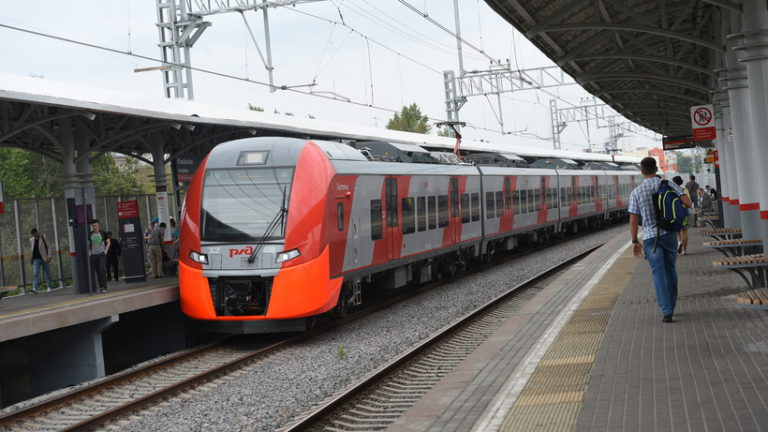 В среду (3 апреля 2019 года) поезда на МЦК будут курсировать с минимальным интервалом до 23:00
