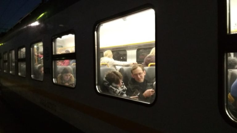 На Рижском направлении МЖД отправление электричек из Москвы ввели в график после сбоя