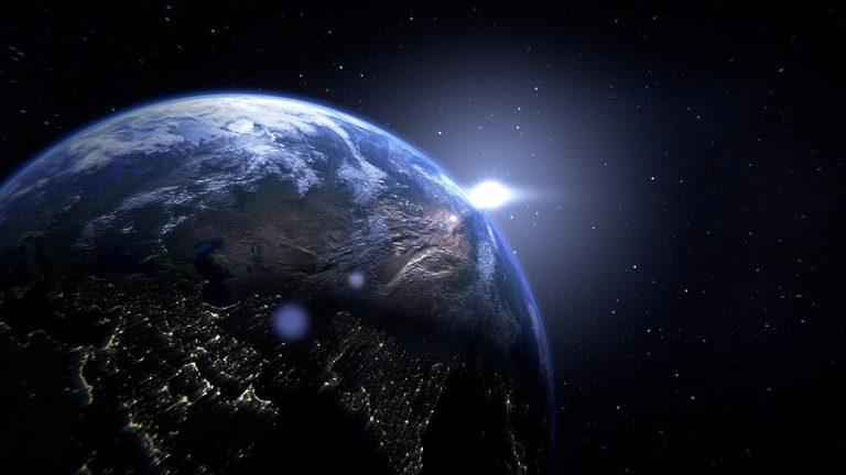 Численность населения Земли составила 7,7 млрд человек