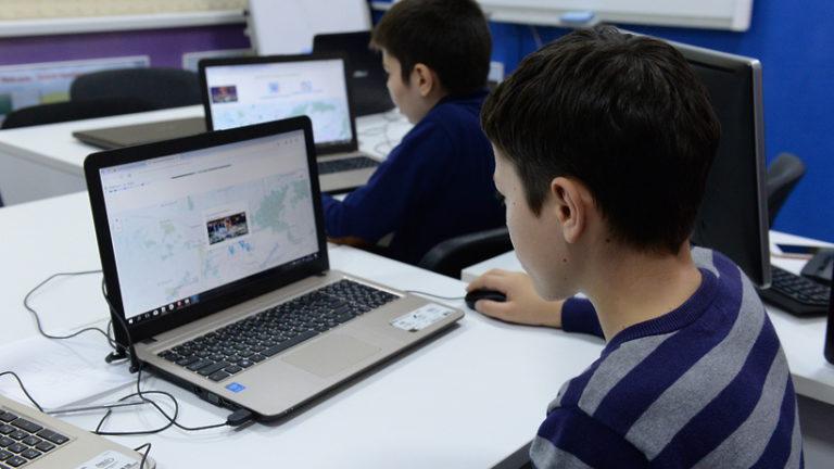 Неделя космонавтики началась в детских технопарках Москвы