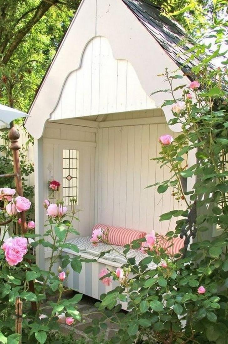 Скамейка-домик. © Possible Decor