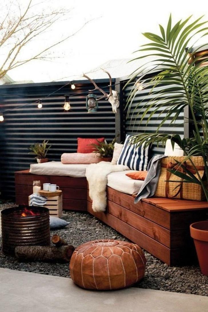 Уютный уголок на заднем дворе. © Trendecora