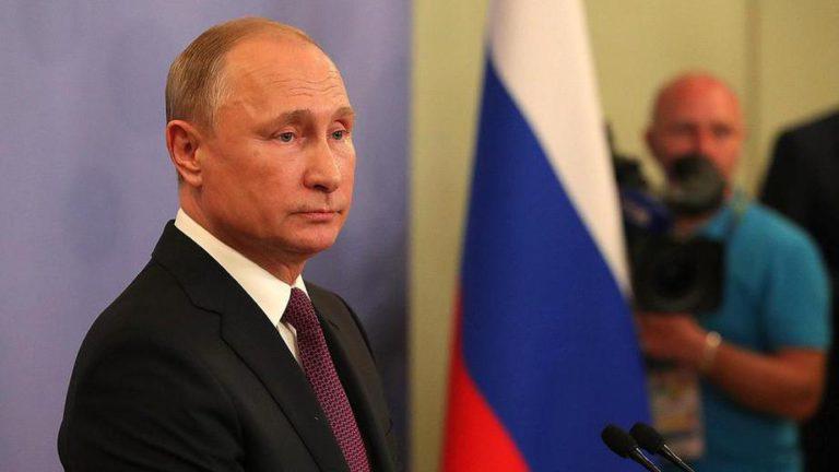 Путин одобрил создание генетических паспортов