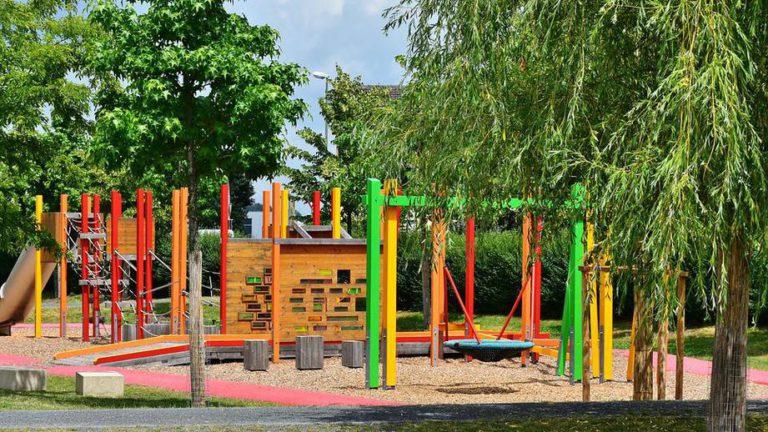 Детские площадки Подмосковья проверят на безопасность к 1 июня