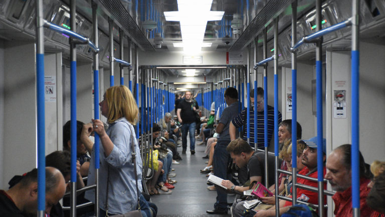 Движение поездов на «серой» линии метро возобновили после сбоя