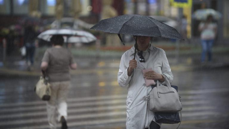 Жителей столицы предупредили о грозе и порывистом ветре