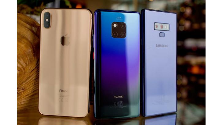 Продажи смартфонов Huawei растут, а Apple и Samsung – падают