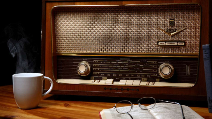 День радио (праздник работников всех отраслей связи)