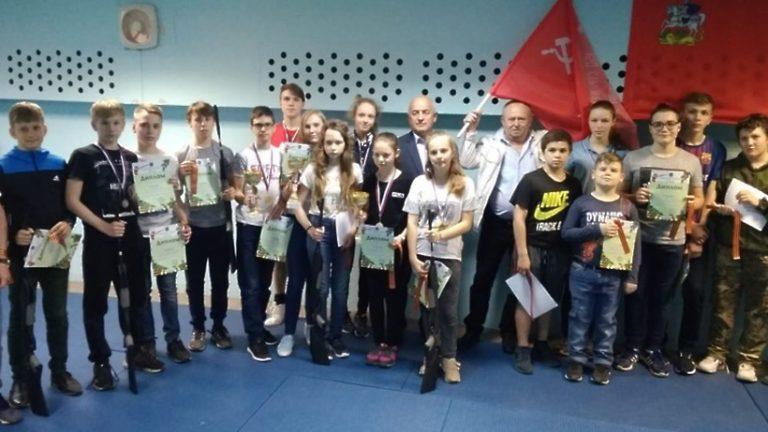 Победителей турнира по стрельбе из пневматической винтовки определили в Подольске