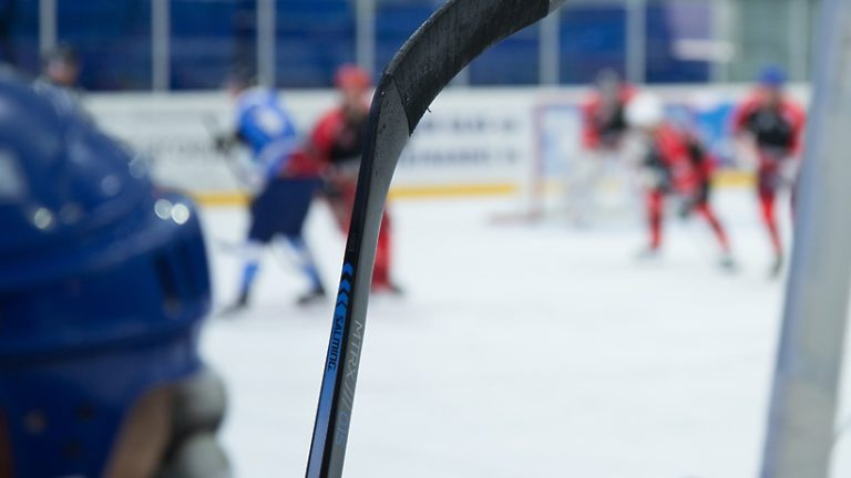Гала‑матч между командами «НХЛ» и «Легенды хоккея» завершился в Сочи
