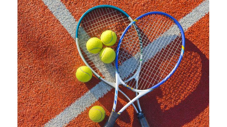 Теннис. Вышли на открытый воздух