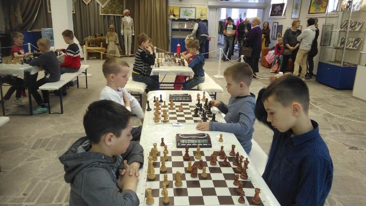 Шахматы. Отметили праздник