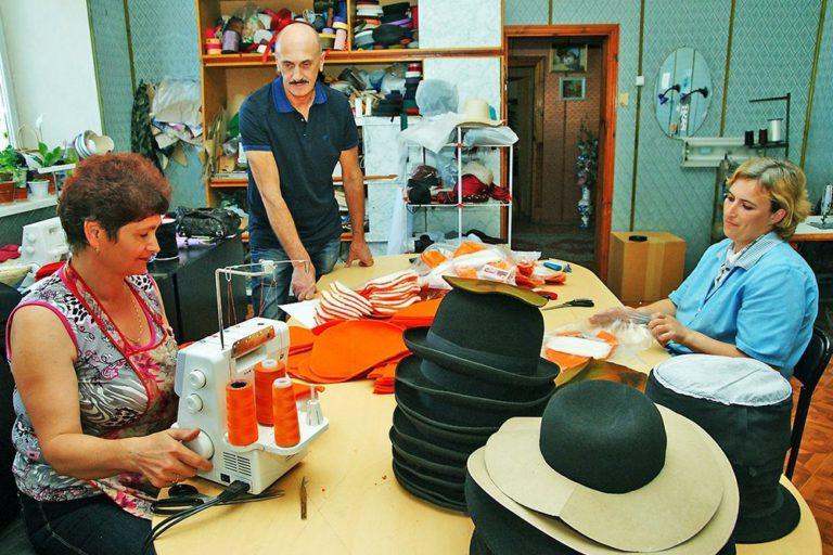 В поселке Новозавидовский убит великий шляпный мастер,  модельер эксклюзивных головных уборов