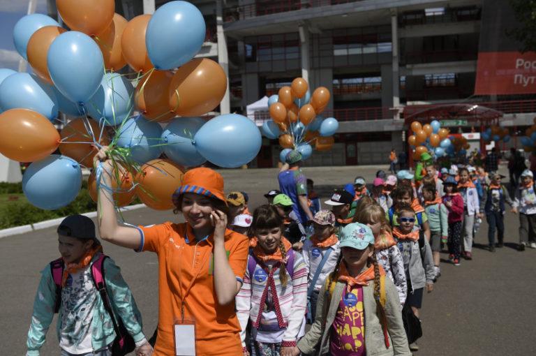 Более 100 тысяч детей  уже отдохнули  в  Подмосковных оздоровительных лагерях