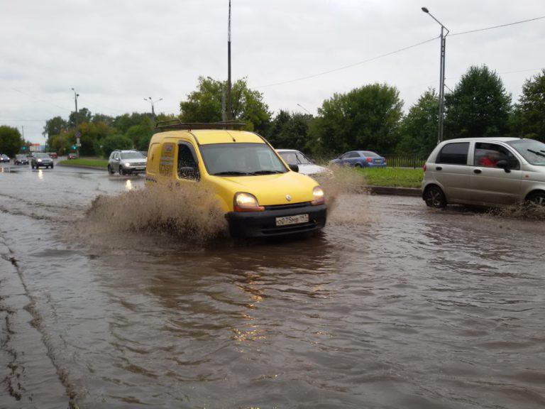 Затопление дороги перед Волоколамским мостом достигло максимума