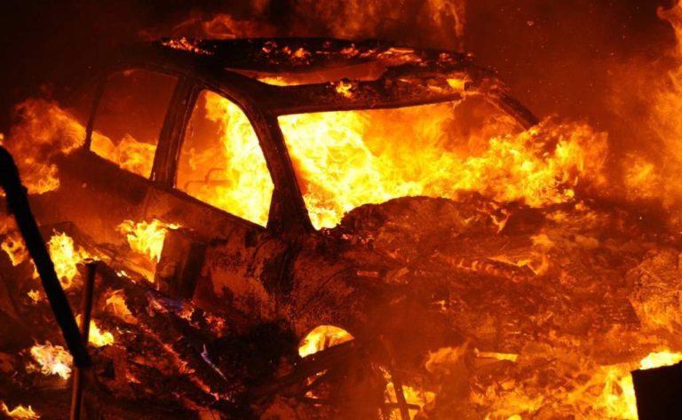В Клину сгорели две машины