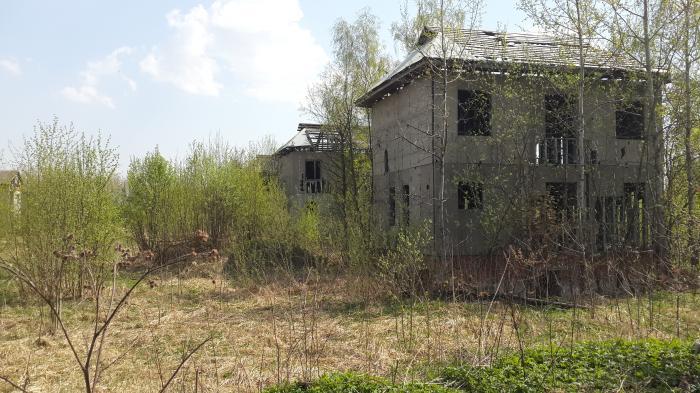 Около 800 подмосковных коттеджных посёлков заброшены
