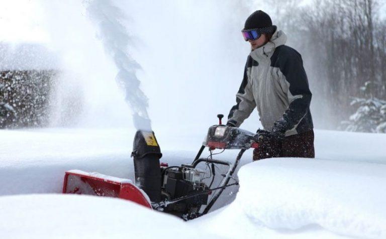 Снегоуборочную машину украли в Клину