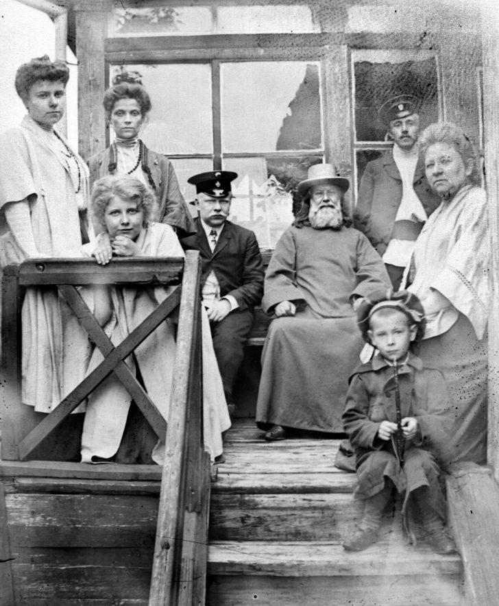 П.И. и его семья (Клин 1910)