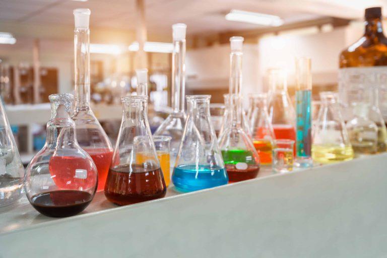 Химическая лаборатория в библиотеке Гайдара