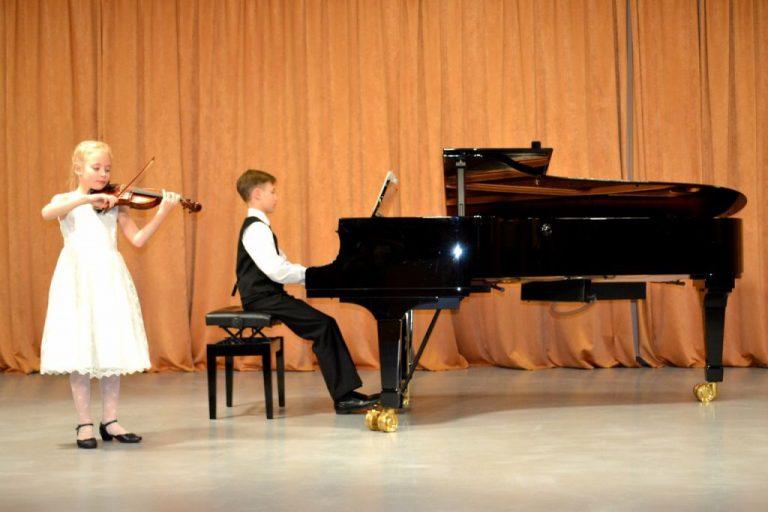 Андрей и Аня Матвеевы