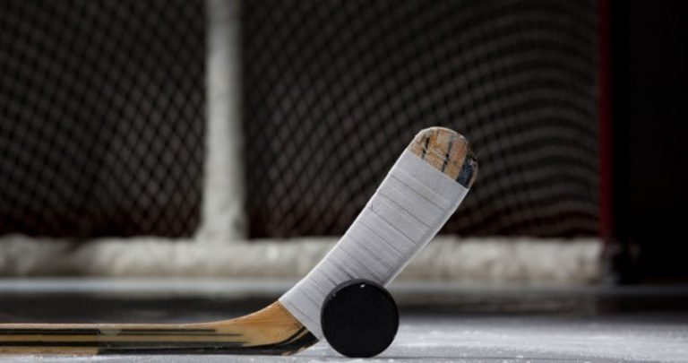 Хоккей. На старт!
