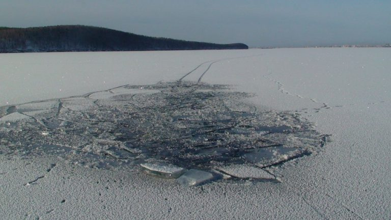 В Конаково Тверской области два подростка провалились под лёд