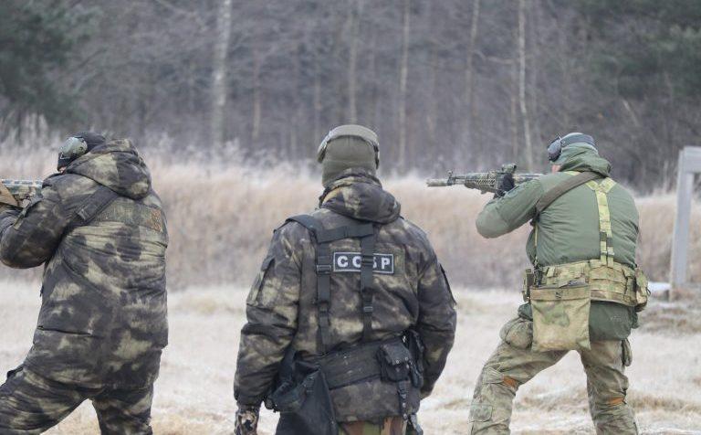 ОМОН и СОБР провели полевые учения в Московской области