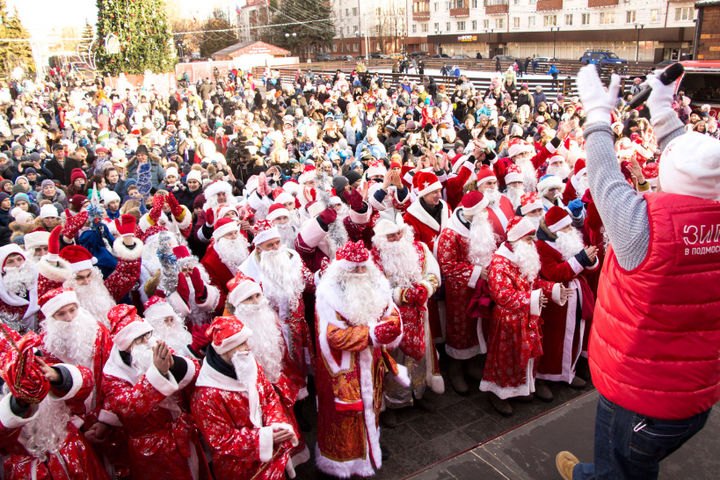 Главный Дед Мороз страны принял парад зимних волшебников в Солнечногорске