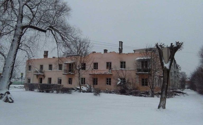 В Клину начали сносить дом на Волоколамском шоссе, 13
