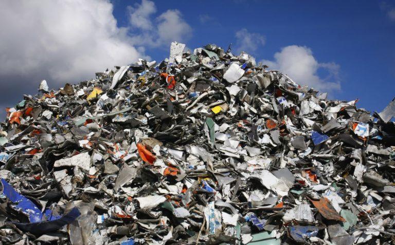 В регионах так до конца и не поняли, что делать с мусором