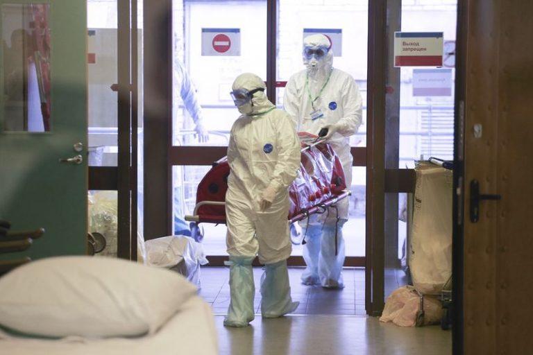 За сутки в России коронавирус обнаружен почти у 9 тысяч человек
