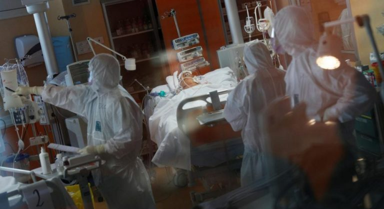 США вышли на первое место в мире по числу случаев заражения коронавирусом