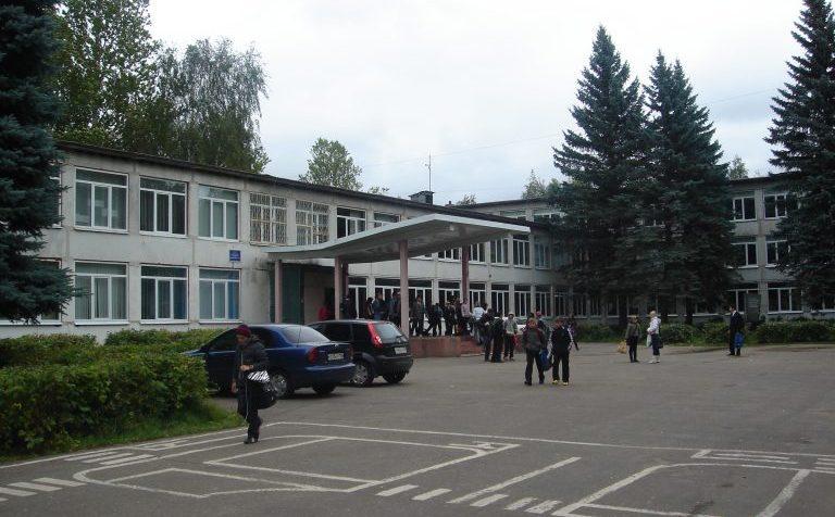 Неизвестное заболевание «гуляет» в школах подмосковного Клина