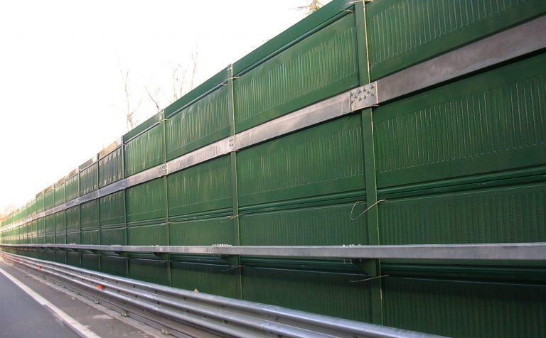 Шумозащитные экраны установят на трассе М10 в Клину