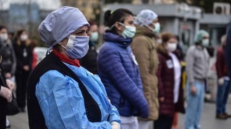Власти Московской области решили пока не вводить штрафы для граждан за отсутствие масок в общественных местах