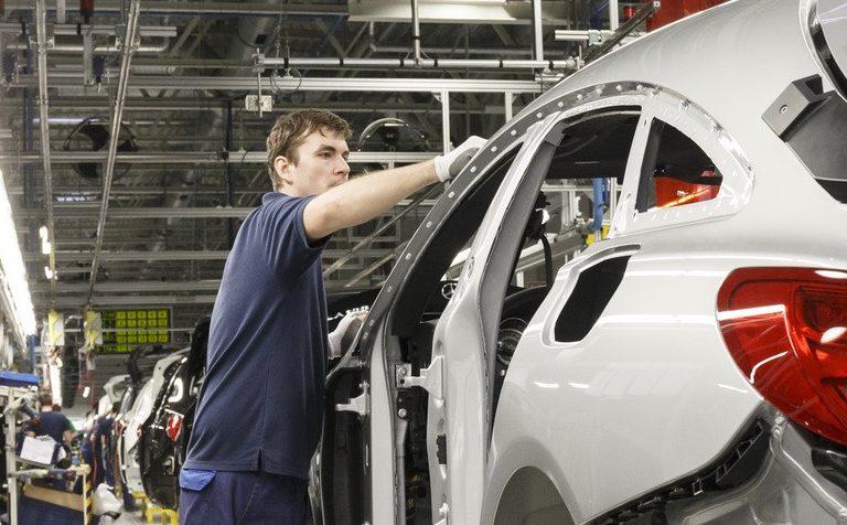 Производство на заводе Mercedes в Солнечногорске возобновится в апреле