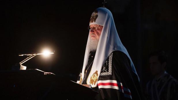 Патриарх Кирилл  объехал Москву с иконой для борьбы с коронавирусом