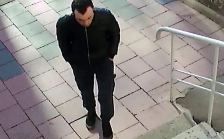 В  Клину  мужчина  ограбил квартиру, в которой находились  дети
