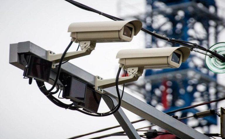 Дорожные камеры в Подмосковье фиксируют машины без пропусков