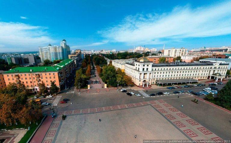 Какие российские города отказались от проведения парадов